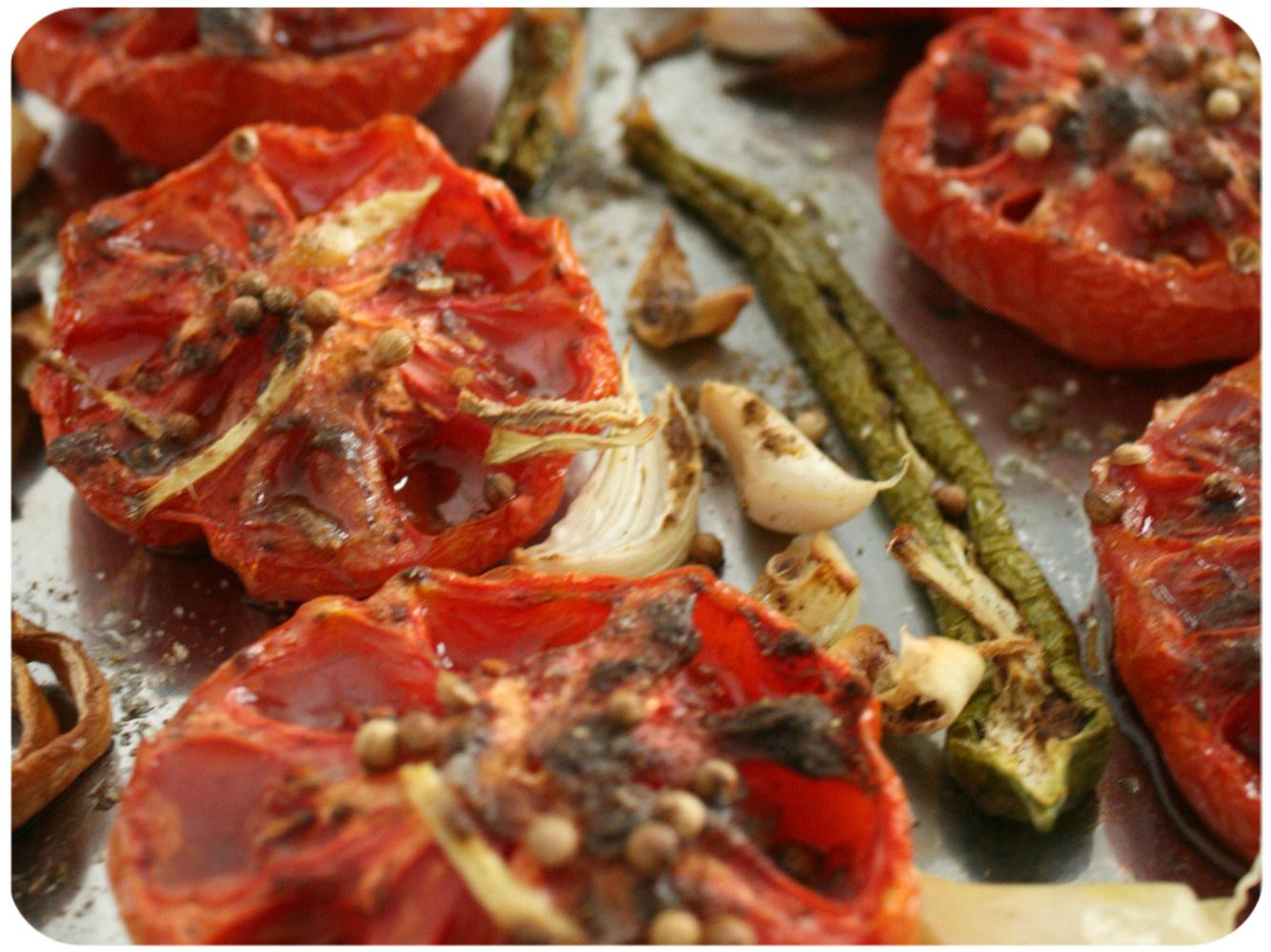 Tomates rôties au garam massala et graines de coriandre